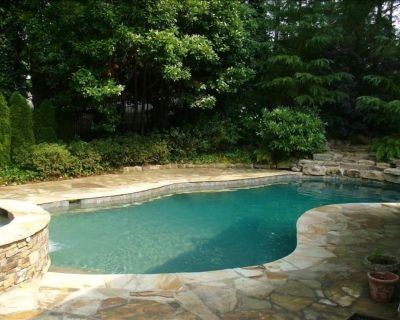 Monthly Rentals only. Pool, Hot Tub, Great Views, Flat Lawn, Deep Water & More - Cumming