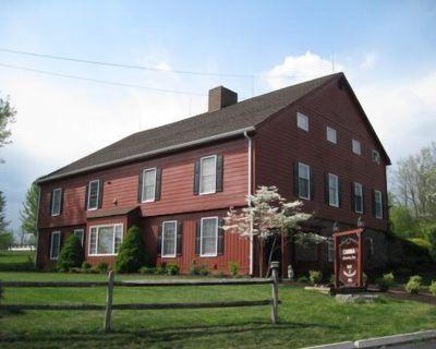 1850's Restored Barn , located near Hershey, Harrisburg, Lancaster & Gettysburg - New Cumberland