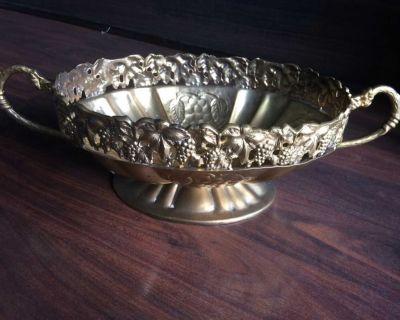 Metal Table Display Dish