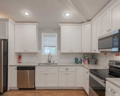 Room for Rent - a 7 minute walk to bus 58 and 85, Atlanta, GA 30314 1 Bedroom House