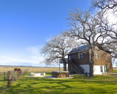 Moonrise Retreat, a safe, secluded place to retreat - Fredericksburg