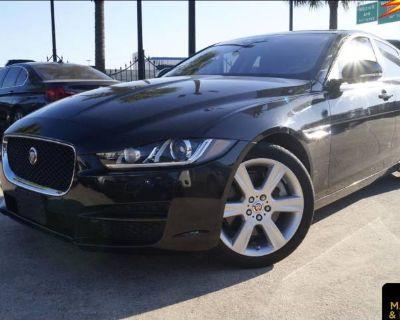 2017 Jaguar XE Prestige