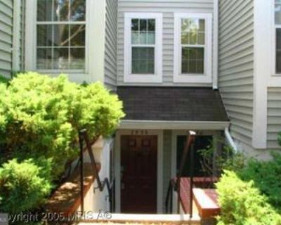 2996 Yarling Ct, West Falls Church, VA 22042 1 Bedroom Condo