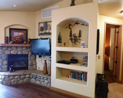 Cozy Comfort - You May Never Want to Leave this Cozy One Bedroom Condo! - Ruidoso