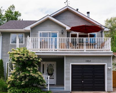 Cottage/lake Simcoe/innisfil/5 Bedrooms/10 Guests - Alcona
