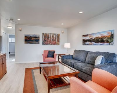 Beautiful, newly renovated fully furnished home in ideal, quiet location - West Colfax