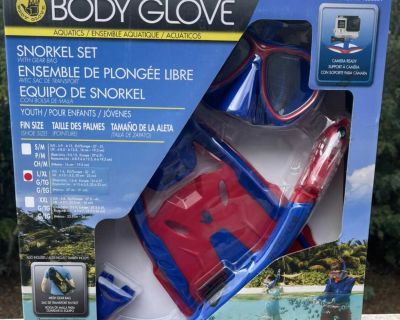 Body glove snorkel set with gear bag youth shoe size 1-4. Brand new in the box