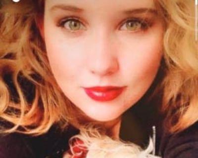 Kayla, 26 years, Female - Looking in: Fallbrook CA