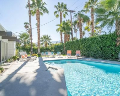 Plum Guide - Sway - Three Bedroom Apartment, Sleeps 6 - Palm Springs