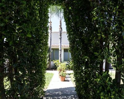 Green Window, a Sanctuary in West Hollywood - Melrose
