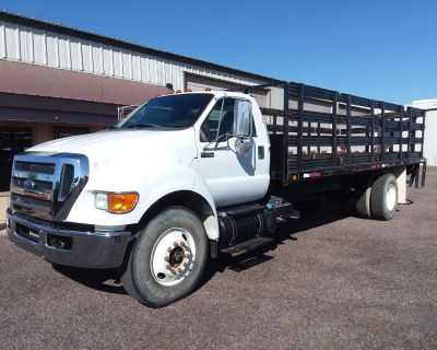 2013 Ford F750 Stake bed *48 K Miles* Cummins