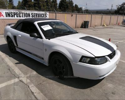 Salvage White 2002 Ford Mustang