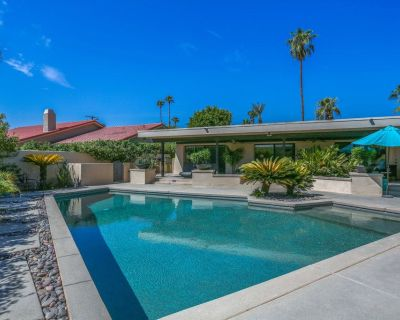 Lovely midcentury home with private pool and outdoor kitchen - dogs welcome! - Bermuda Dunes