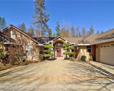 1865 Vineyard Dr, Paradise, CA 95969 4 Bedroom House