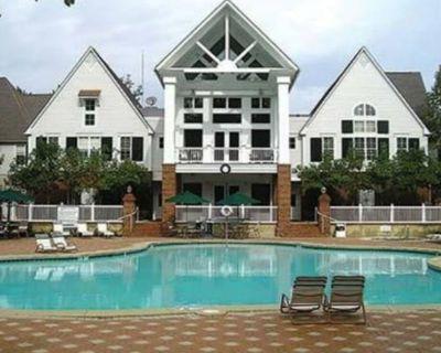 Luxury 2 bedroom townhouse in Williamsburg! - York