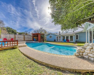 Beautiful, family-friendly home w/ private pool - close to Six Flags! - North San Antonio - SAT