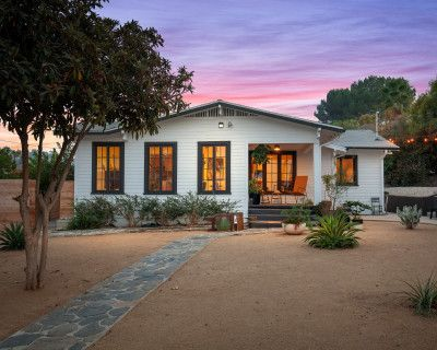 Beautiful Modern Craftsman Hillside Oasis / Tons of Natural Light, Los Angeles, CA