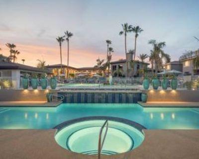 E Greenway Rd, Scottsdale, AZ 85254 3 Bedroom Condo