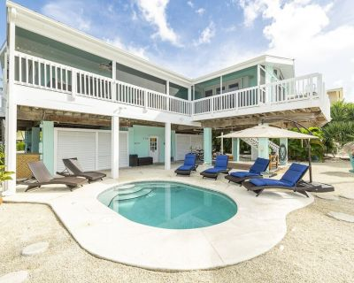 SUGARLOAF KEY Home on Wide Canal - Private Pool + New Outdoor Gourmet Kitchen - Sugarloaf Shores