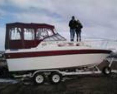 25 foot Mark Twain Cabin Cruiser
