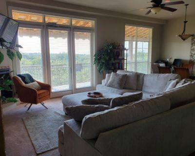Luxury Condo with a Beautiful View, San Antonio, TX