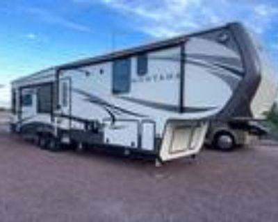 2016 Keystone Montana 3911FB