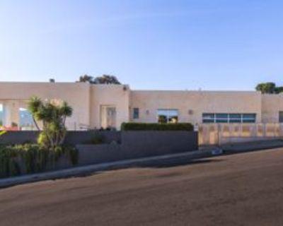 1099 Vista Grande Dr, Los Angeles, CA 90272 4 Bedroom Apartment