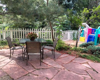 Great Location, Kid & Dog Friendly, Open Floor Plan - Arapahoe County