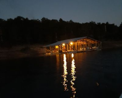 Cottage #3 two bedroom with a whirlpool tub and great lake view - Mountain Home
