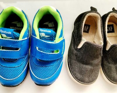 2T toddler boy shoes size 6 (2-3 years)