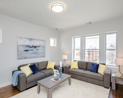 3D Tour Available! Rehabbed Edgewater 2 Bed/1 Bath, New Kitchen & Bath, Washer/Dryer In Unit