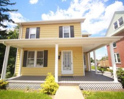 261 W Main St, New Holland, PA 17557 3 Bedroom House