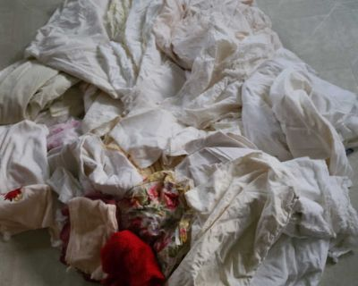 Lot of Assorted Sheets and Pillowcases
