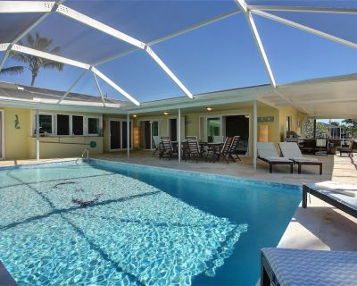 OVERSIZED LANAI - QUICK ACCESS TO FOR MYERS AND BOAT ACCESS UNDER 10 MIN - Cape Coral