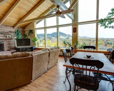 Luxury home in prime downtown location: views of the Rocky Mountains - Flagstaff
