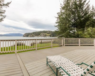 Stunning waterfront home w/ seasonal hot tub - perfect for a relaxing getaway - Lopez Island
