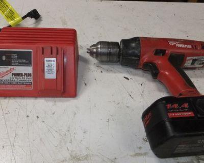 """1/2"""" Milwaukee Drill Kit"""