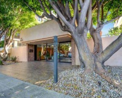 211 S Spalding Dr, Beverly Hills, CA 90212 2 Bedroom Condo