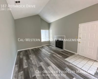 2 bed 2 bath End Townhouse with garage