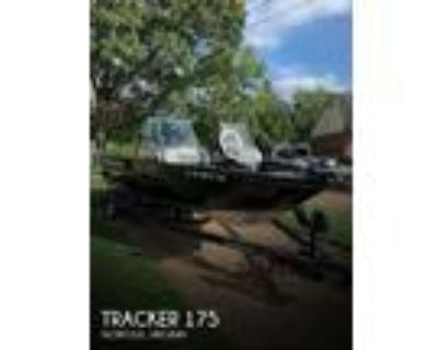 17 foot Tracker Pro Guide 175