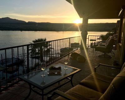 Riverfront with lawn, jet ski dock, and boat dock. Views and Sunsets! - Bullhead City