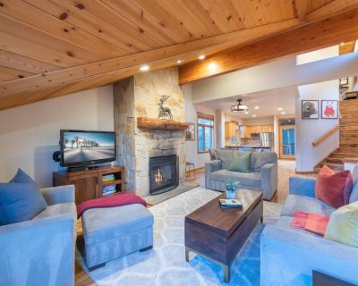 Remodeled on the Hillside, Walk to Park City Mountain Resort and Historic Main Street - Downtown Park City