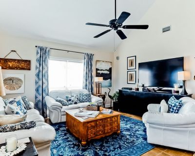 New listing! Top-floor beach getaway w/ a private, furnished balcony - Orange Beach