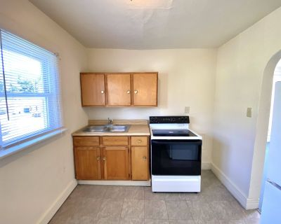 Newly updated Duplex in Middletown!