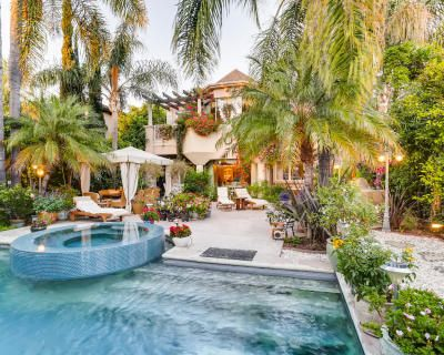 Beverly Hills Outdoor Oasis With Pool/Jacuzzi, Seating, Heaters, Free Parking, & More!, Beverly Hills, CA