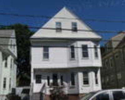 Somerville 1BA, Charming 2 bedroom, duplex apartment in the
