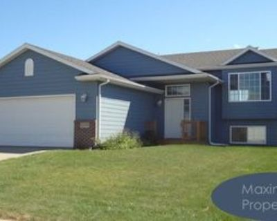 5513 W Oakcrest Dr, Sioux Falls, SD 57107 4 Bedroom House