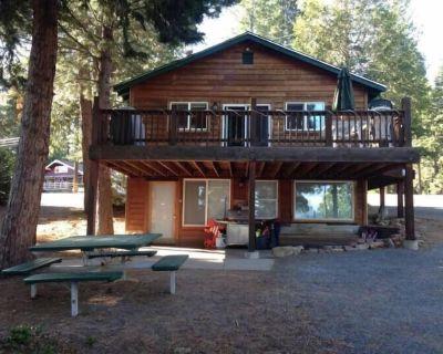 **NEW Listing** Lake Almanor Escape 6 - Peninsula Village