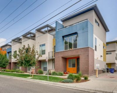 Sunny End Unit Townhome in Great Jeff Park Spot
