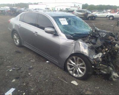 Salvage Silver 2013 Hyundai Genesis